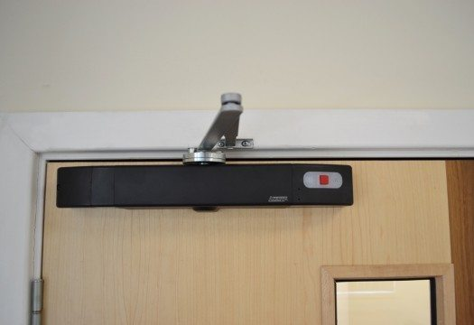Agrippa sound activated fire door closer - black